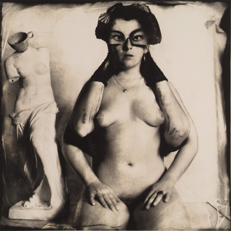 Joel-Peter Witkin - Arms broken by windows