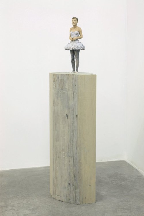 Stephan Balkenhol - Column figure of a woman